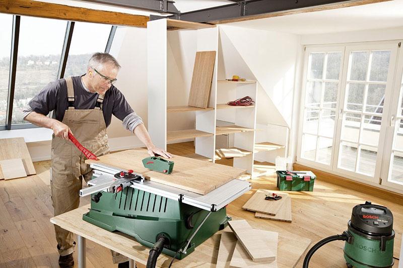 Heimwerker mit der Bosch Tischkreissäge PPS 7 S
